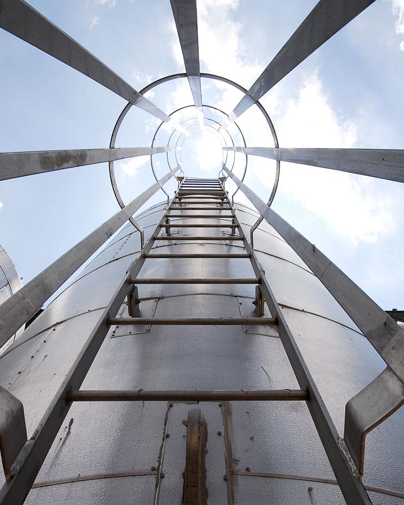 Escalera Marina para Tanques - Camex